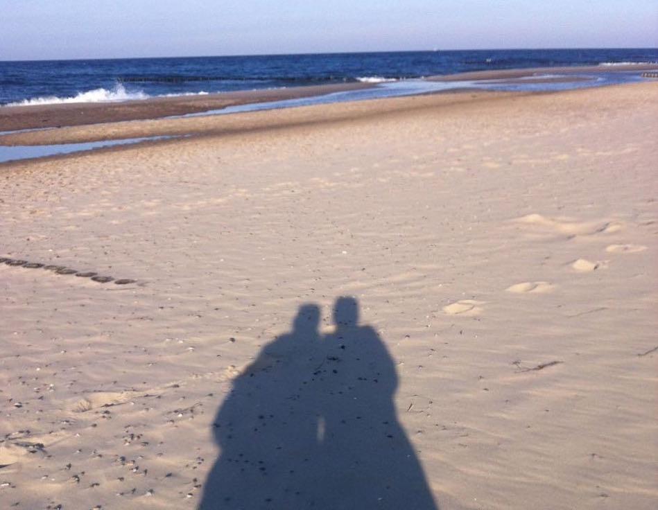 Mit der Herzensfreundin am Strand von Kühlungsborn