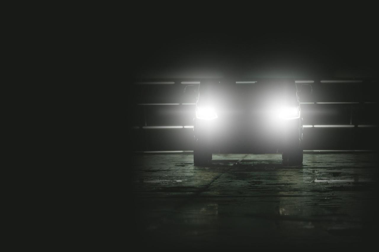 Volkswagen T6 im Dunkeln