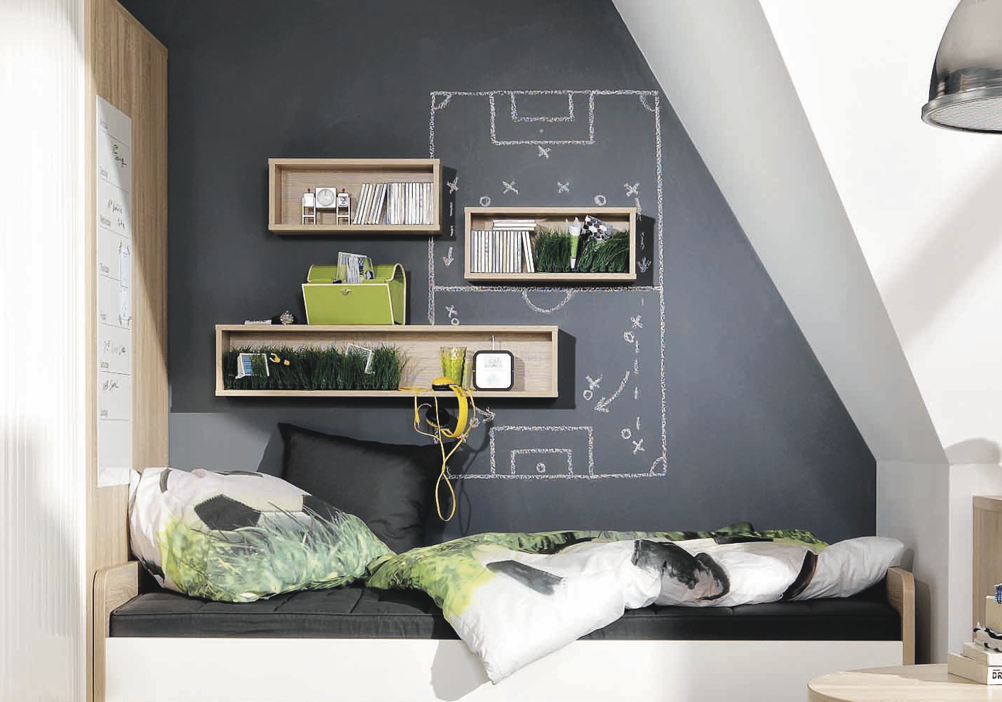 tafelfarbe im jugendzimmer definitiv eine coole idee. Black Bedroom Furniture Sets. Home Design Ideas