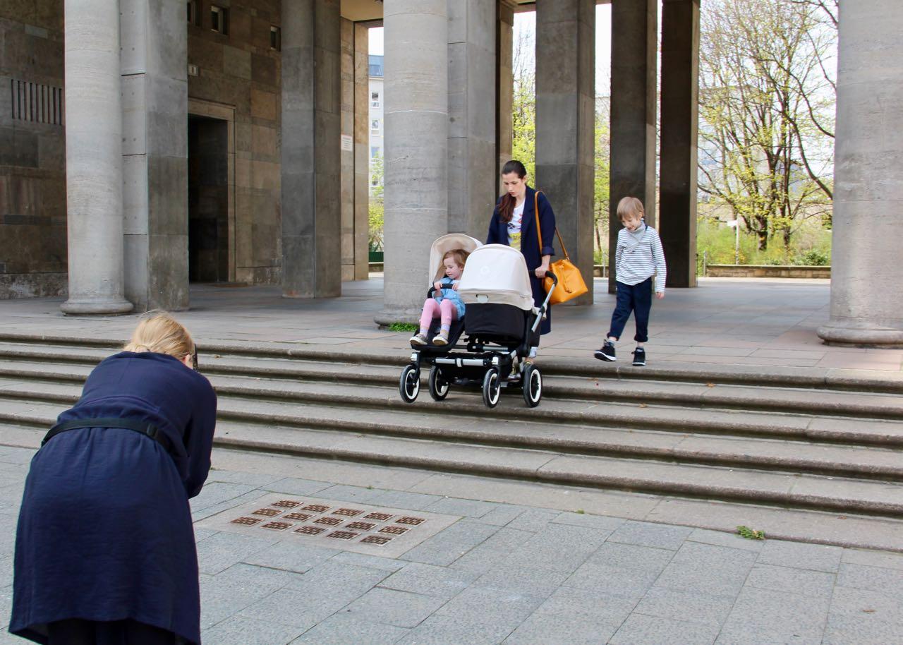 Mama als Model beim Fotoshooting fürs Mummy-Mag Paper